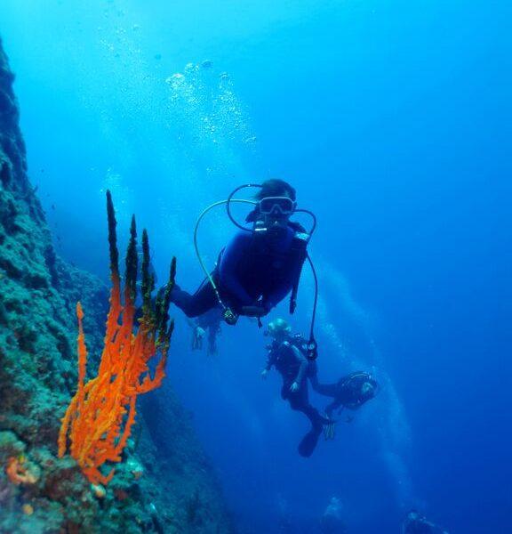 santorini diving with kids