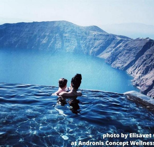 Is Santorini island child friendly?  Everybody knows her, talks about her, dreams to visit her sooner or later. Stronghyli, Kallisti, Thira or just Santorini
