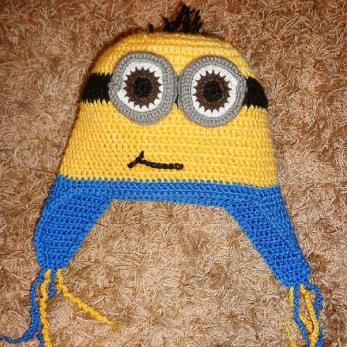 Minion, Handmade unisex crochet beanie and matching scarf 100% Handmade Crochet Beanie Composition : High Quality Cotton Stretch Touch: soft, not itchy. Size info : Approx. 25cm height and 23cm width when laid down flat.